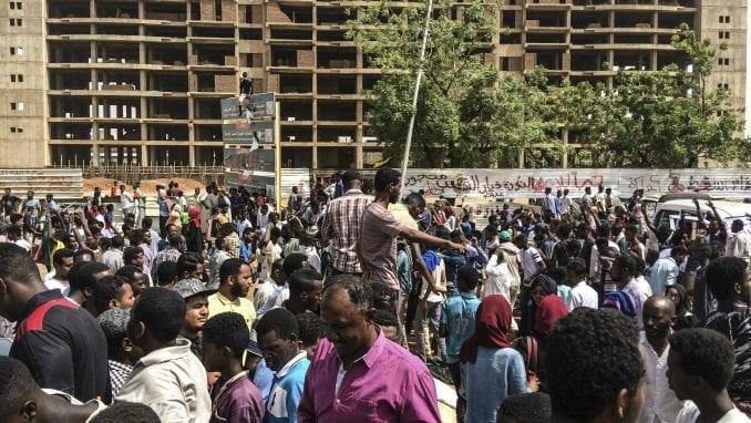 Sudanska vojska naredila demonstrantima da poštuju noćni policijski čas 1