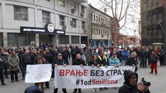 """Protesti """"1 od 5 miliona"""" i večeras u više gradova i opština Srbije (FOTO, VIDEO) 6"""