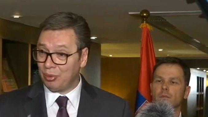 Vučić: Ne smeta mi protest ispred predsedništva, prošao sam i mahnuo im 1