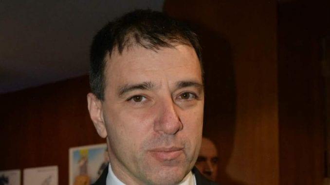 Paunović: Preklapanje interesa SNS i profesionalnih poslanika DS 3