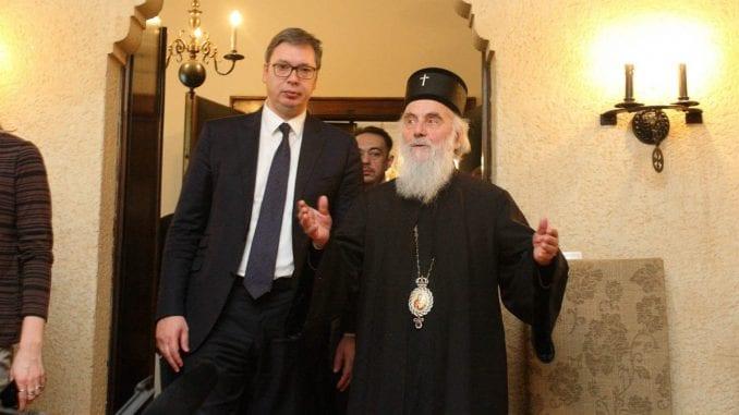Patrijarh pozvao Vučića, većina vladika protiv 1