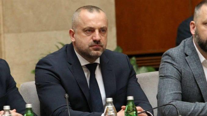 Radoičić u skupštini - ruganje zakonima i građanima Srbije 1
