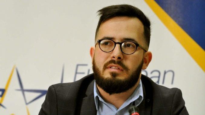 Demokratija i vladavina prava u Srbiji znatno opali od 2012. 4