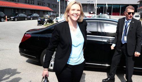 Norveška ministarka zdravlja: Ljudi opustite se, pušite, pijte i jedite crveno meso 14