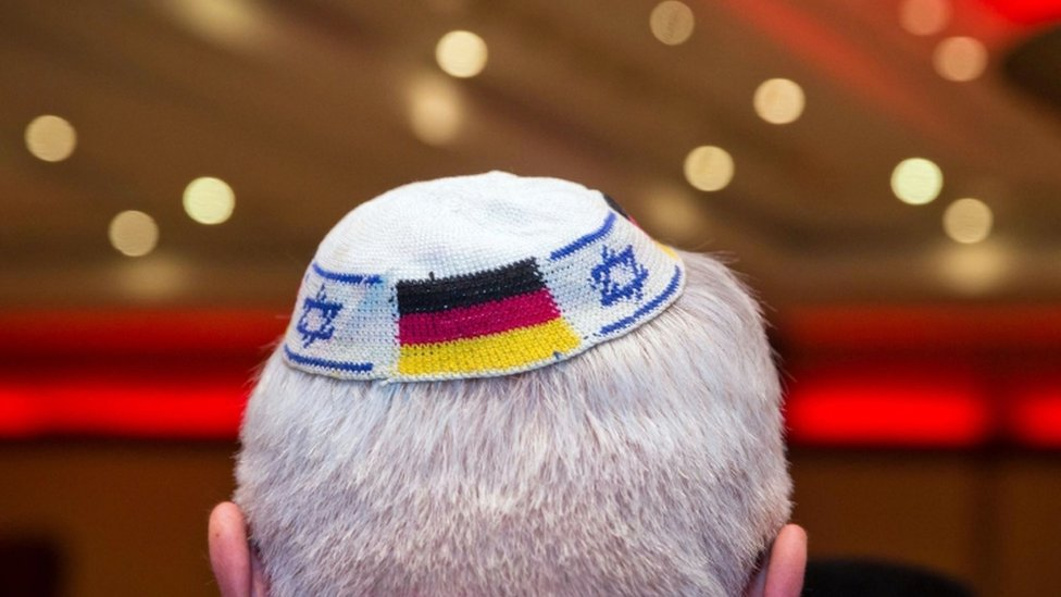 A man wearing a Jewish skullcap