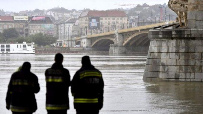 Mađarska: Sedam mrtvih u nesreći na Dunavu, potraga za nestalima i u Srbiji 2