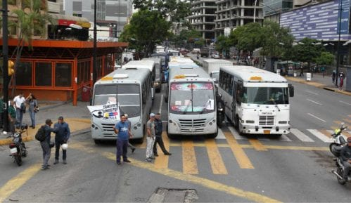 Opozicioni političari našli utočište u ambasadama 12