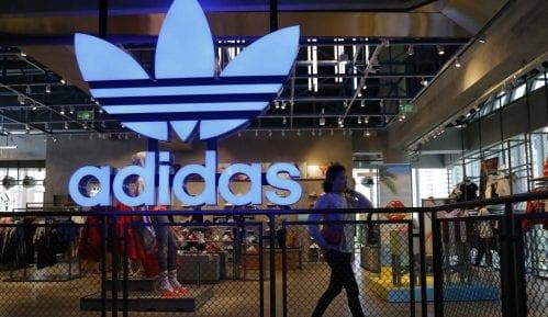 Adidas se izvinjava 13