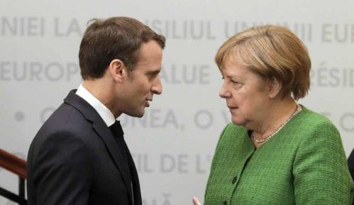 Makron i Merkel napuštali samit EU, ali se sad oprezno nadaju nagodbi za fond oporavka 11