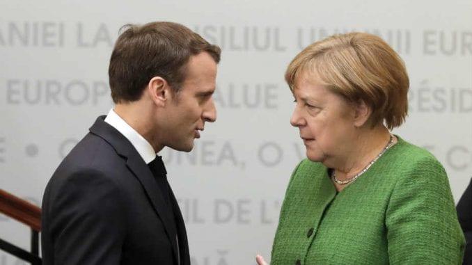 Makron i Merkel napuštali samit EU, ali se sad oprezno nadaju nagodbi za fond oporavka 3