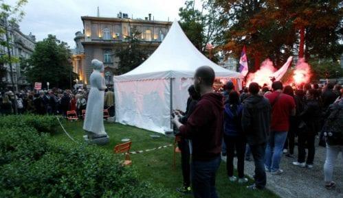Sloga u Slobodnoj zoni: Performans o pelenaškim fabrikama za srpske radnike 8