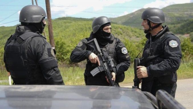 U bolnici u severnoj Kosovskoj Mitrovici zadržano jedanaestoro Srba 1