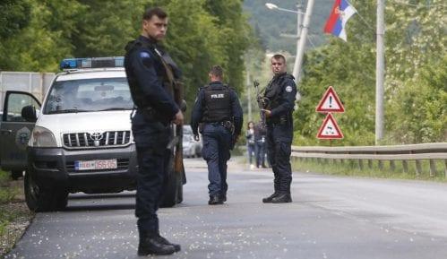 Na severu Kosova mirno, građani zbog neizvesnosti okupljeni u grupama 15