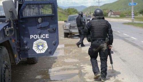 Troje policijskih zvaničnika uhapšeno na severu Kosova 1