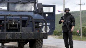 Na severu Kosova mirno, građani zbog neizvesnosti okupljeni u grupama 3