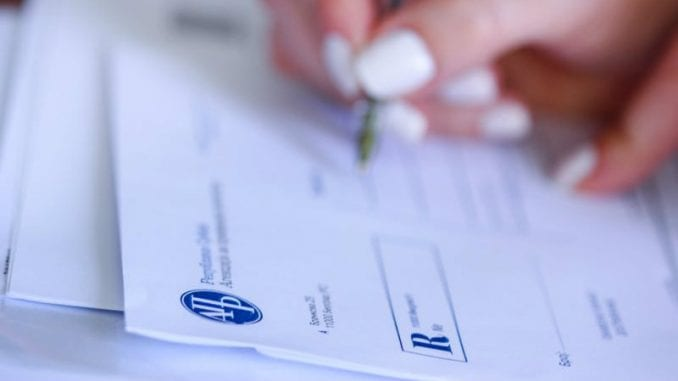 Otežana elektronska prijava finansijskih izveštaja u APR-u 4