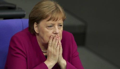 Merkelovoj pozlilo treći put za manje od mesec dana 14
