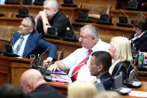 Vučić u Skupštini: Srbija nema vlast na Kosovu, prestati sa obmanjivanjem javnosti 4