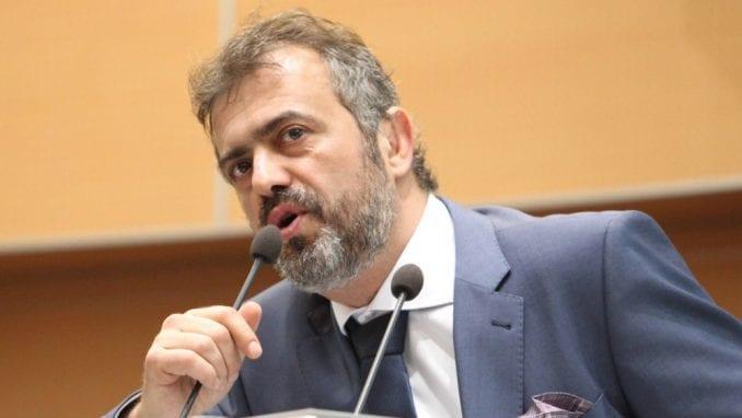 UNS traži od Trifunovića da se izvini novinarki RTS zbog seksističkih uvreda 1