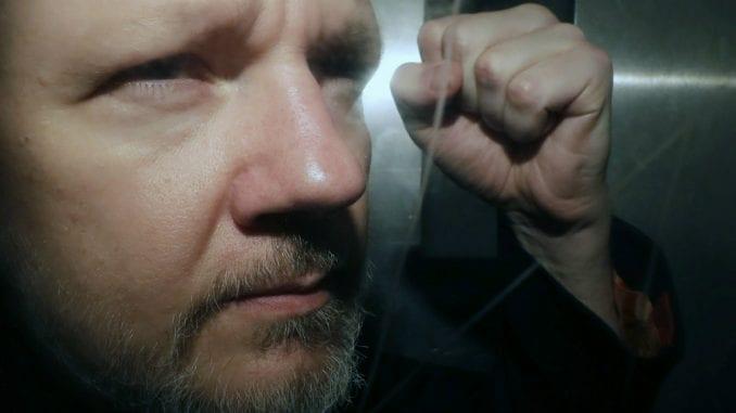 Švedska zatražila izdavanje naloga za hapšenje Asanža 4