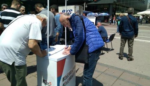 """U prvoj """"Zoni slobode"""" u Nišu za tri sata sa opozicijom razgovaralo oko 200 ljudi 9"""