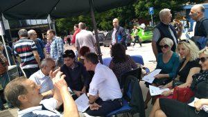 """U prvoj """"Zoni slobode"""" u Nišu za tri sata sa opozicijom razgovaralo oko 200 ljudi 2"""