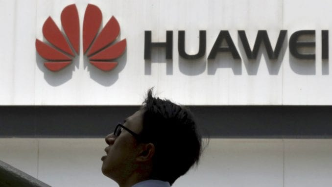 Huavej se žalio sudu u SAD zbog ograničenja prodaje 4