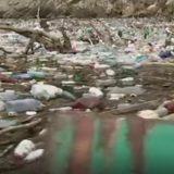 Kako izgleda borba sa ostrvom smeća koje pluta Drinom (VIDEO) 5
