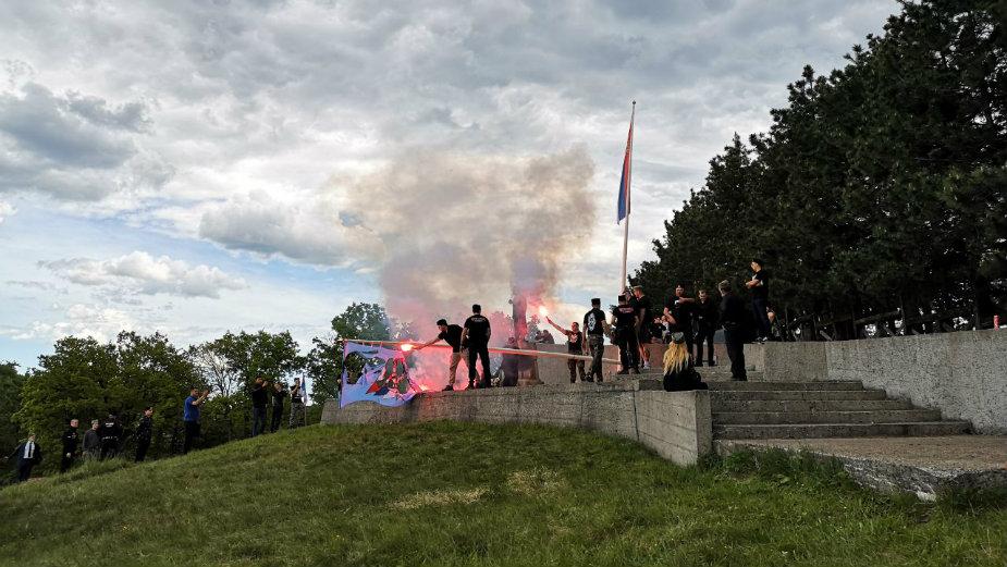 SPO: Četnici Sever nasrtali na članove stranke i palili njenu zastavu na Ravnoj gori 1