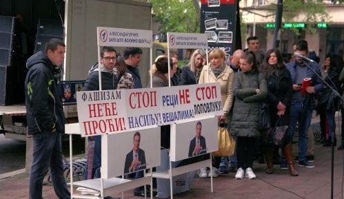 SNS optužila aktiviste SZS da su njenim članovima u Beogradu otimali stranački materijal 6