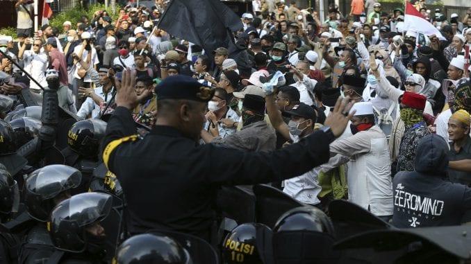 Indonezija: Opozicija osporava izbor Džoka Vidoda 1