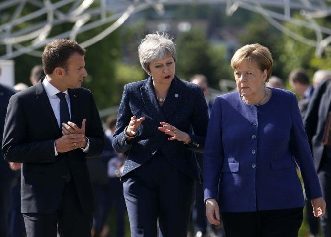 Merkel i Makron o ostavci Tereze Mej 4