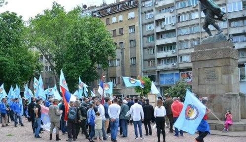 POKS organizovao anitfašističku monarhističku šetnju za Dražu Mihailovića 15