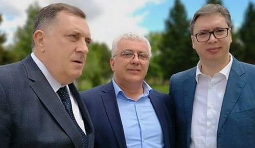 Dodik i Vučić u Nišu razgovarali sa Mandićem o situaciji u regionu 11