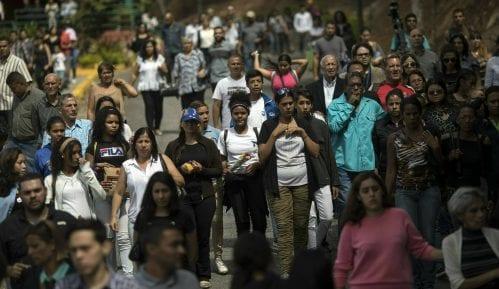 U Venecueli petoro mrtvih, više od 200 uhapšenih tokom demonstracija 15