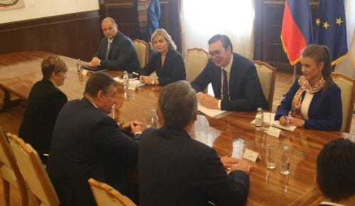 Slucki: Rusija se ponosi prisnim odnosima sa Srbijom 14