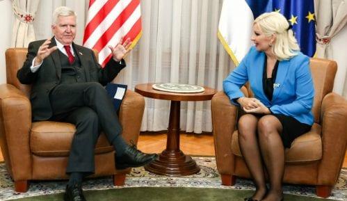 Mihajlović i Skot razgovarali o izgranji auto-puta Pojate-Preljina 7