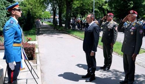 Vulin: Izrazite žaljenje zbog ubijenih vojnika 9