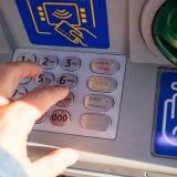 Da li će građani morati bankama da vraćaju novac dobijen na sudu? 4