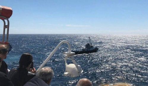 Brod koji se juče pokvario na Jadranu stigao u Split 11