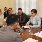 Premijerka sa predstavnicima više sindikata o kolektivnim ugovorima 9