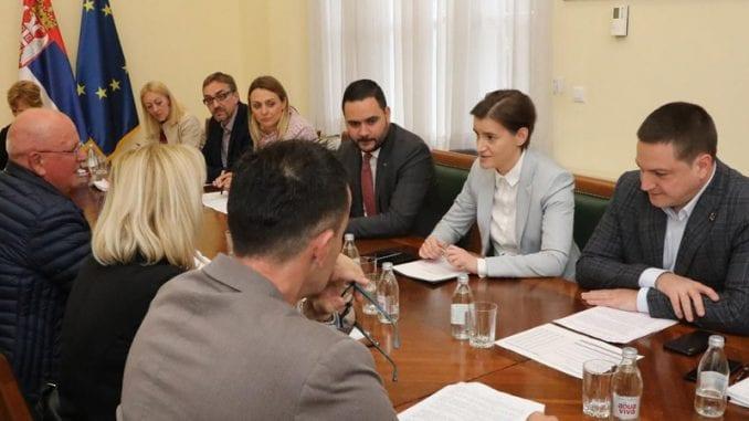 Premijerka sa predstavnicima više sindikata o kolektivnim ugovorima 1