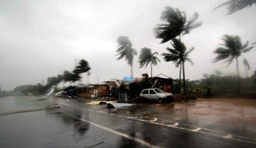 Indija i Bangladeš: Najmanje 15 osoba poginulo u naletu ciklona Fani 9