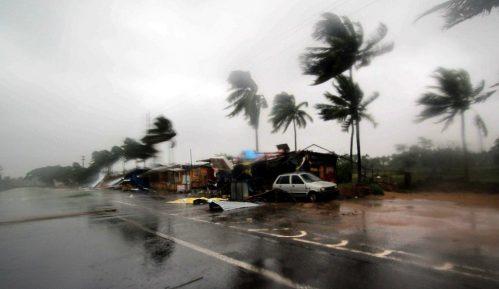 Tropski ciklon oštetio gradove u Austrailiji, više od 30.000 korisnika ostalo bez struje 2