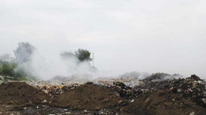 Zbog požara na gradskoj deponiji u Negotinu zasedao Štab za vanredne situacije 1