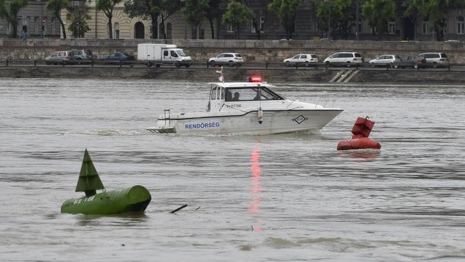 Budimpešta: Potonuo brod na Dunavu, sedam turista se utopilo 3