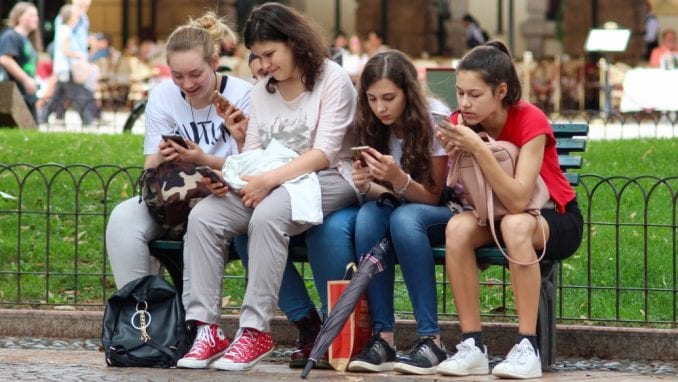 Tinejdžeri sve manje koriste Fejsbuk 8