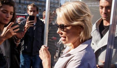 Pamela Anderson posetila Asanža u zatvoru 15