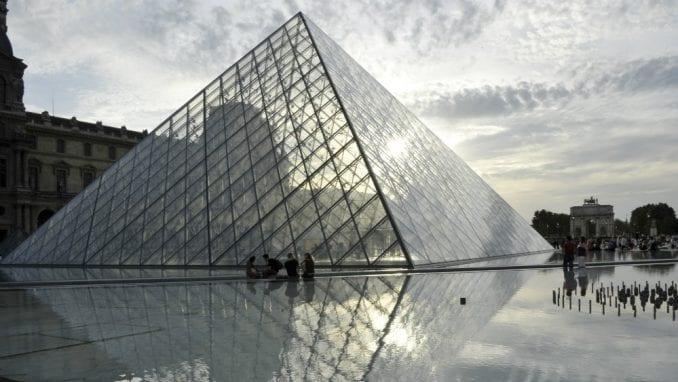 Izložbu o Da Vinčiju u pariskom Luvru posetilo više od milion ljudi 4