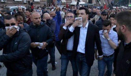 Kocijančič o protestima u Tirani: Mesto za dijalog je u parlamentu 13